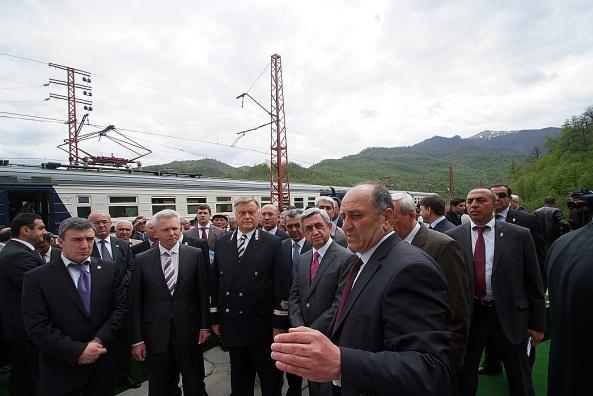 Զամանլու միջազգային երկաթուղային կառույցի առաջին փուլի բացումը Հայաստանի ղեկավարության և միջազգային երկաթուղային շինարարության պատասխանատուների մասնակցությամբ: